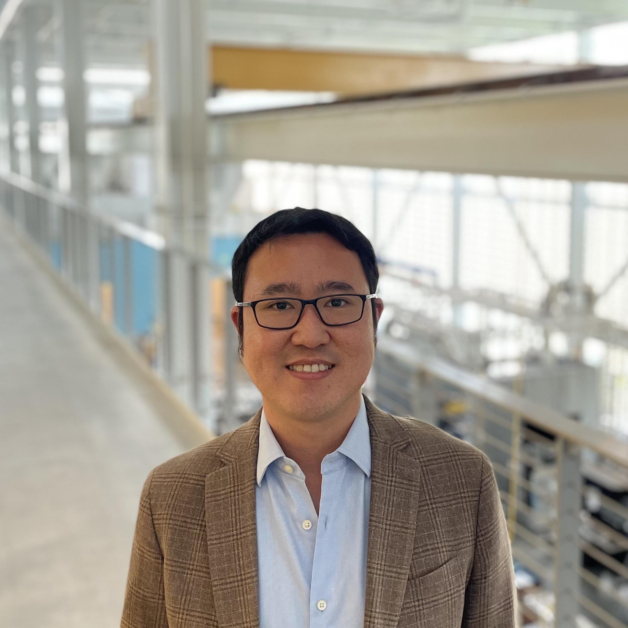 Dr. Andrey Gunawan
